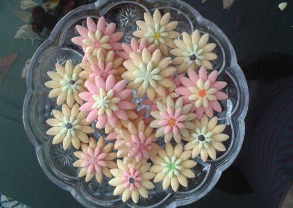 طرز تهیه شیرینی گل مینا در خانه