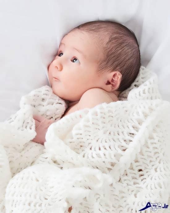 ژست عکس نوزاد دختر و پسر
