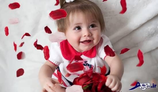 ژست عکس نوزاد دختر