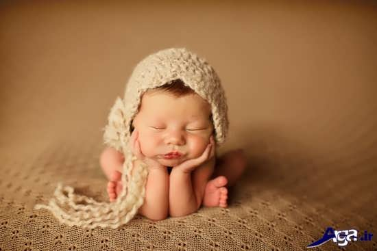 ژست جال و زیبای نوزاد برای عکس