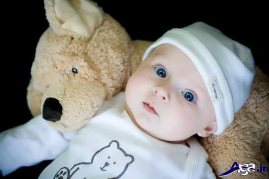 ژست عکس نوزاد دوست داشتنی