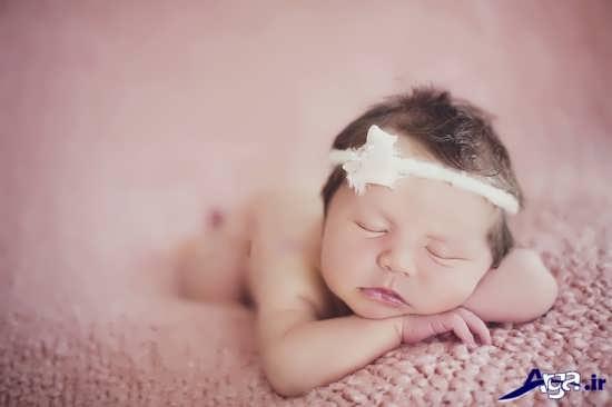 ژست زیبا برای عکس نوزاد