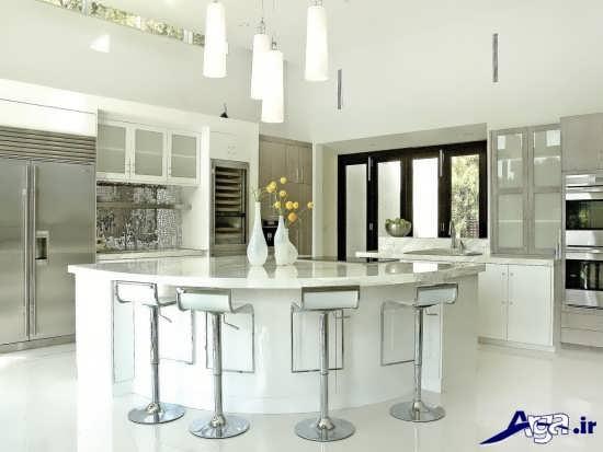 دکوراسیون آشپزخانه سفید و نقره ای