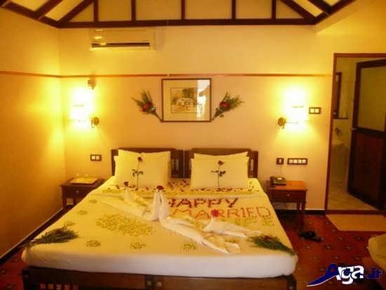تزیین اتاق خواب عروس با شمع و گل