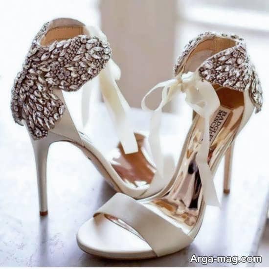 تزییناتی از کفش عروس متفاوت