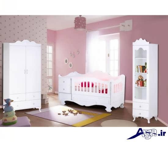 کمد و تخت نوزاد با طرح ساده و رنگ سفید