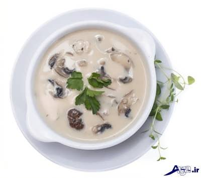 سوپ قارچ و خامه