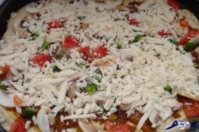 طرز تهیه پیتزا تابه ایی