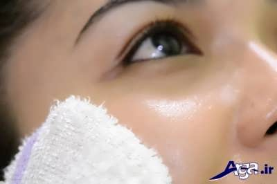 پاک کردن پودر صورت از زیر چشم ها