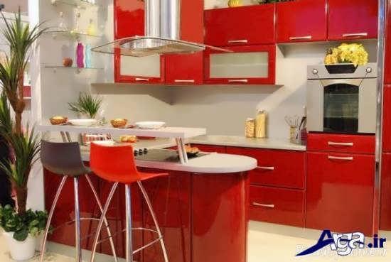 فضای کوچک آشپزخانه با مدل کابینت قرمز