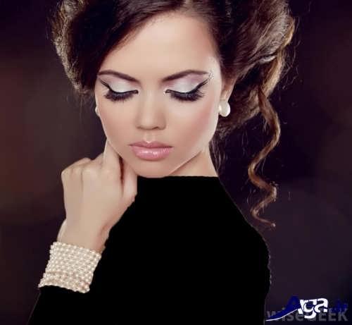 مدل آرایش صورت دخترانه با لباس مشکی