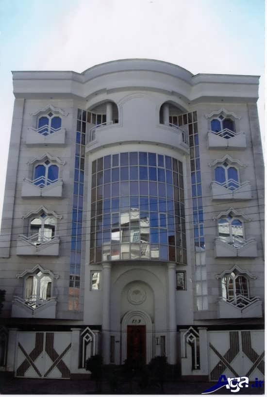ساختمان چهار طبقه با نمای شیشه ای