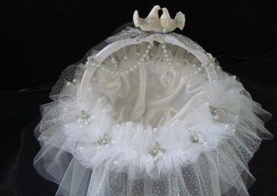 تزیین سبد با روبان برای هدیه به عروس و داماد
