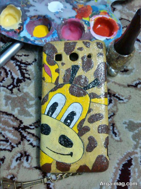 نقاشی های روی قاب موبایل با طرح زرافه