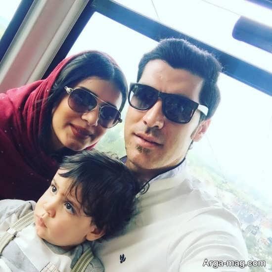 شهرام محمودی به همراه همسر و تنها پسرش