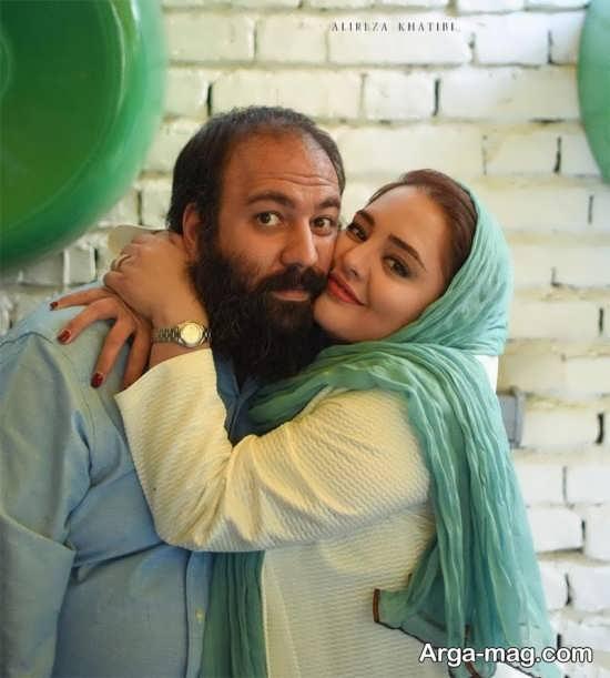 علی اوجی در آغوش همسرش