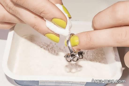 تمیز کردن انگشتر نقره با روشهای ساده