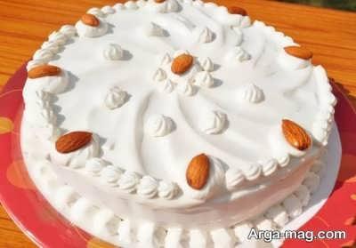تزیین زیبا کیک با خامه و بادام