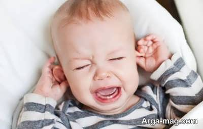 نشانه های گوش درد نوزاد