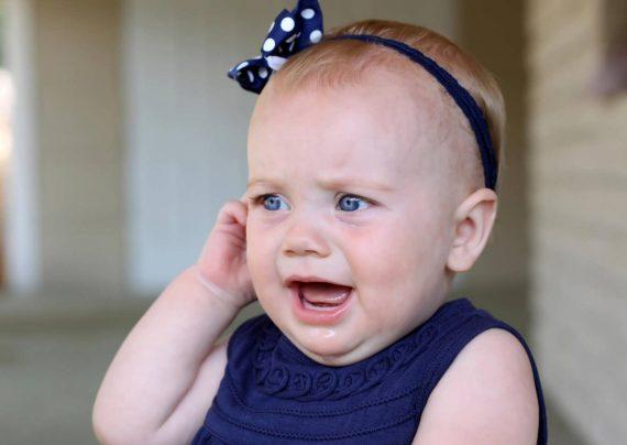 علایم گوش درد نوزادان