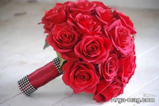 دسته گل رز قرمز برای عروس