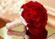 عکس های دسته گل عروس رز قرمز