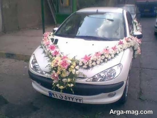 تزیین ماشین عروس با گل های رنگی