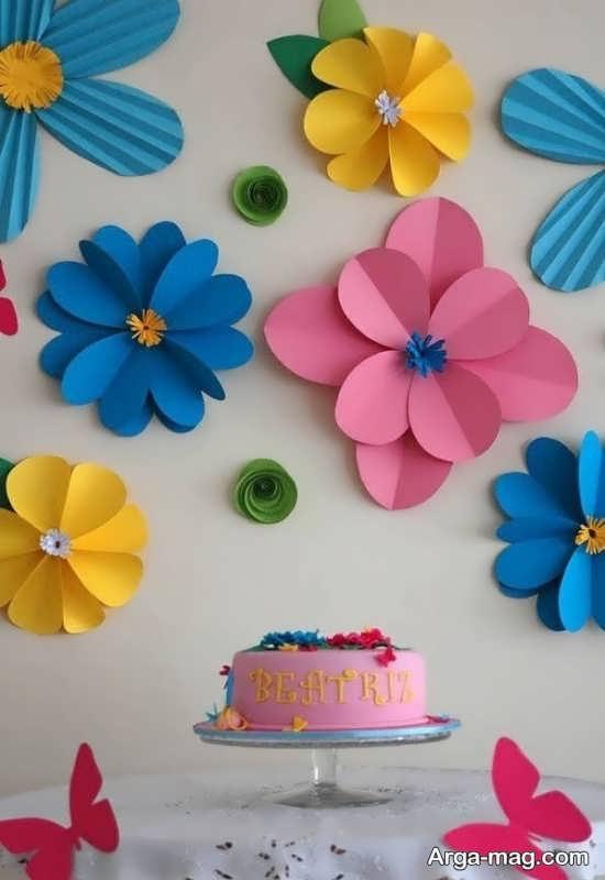 تزیینات دیوار با مقوا به شکل گل