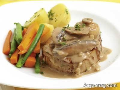 دستور پخت استیک خوشمزه و لذیذ با سس قارچ