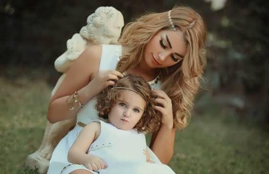 عکس زیبا از مادر و فرزند