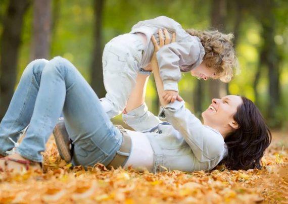 عکس عاشقانه مادر و فرزند