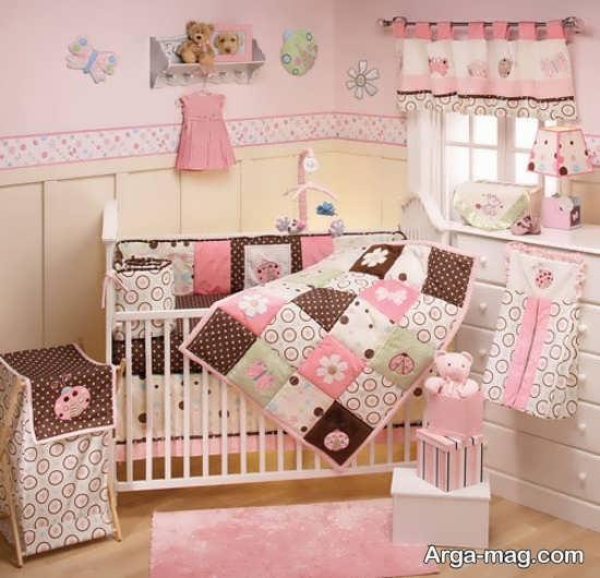 ست لوازم و وسایل اتاق با رنگ صورتی برای نوزاد