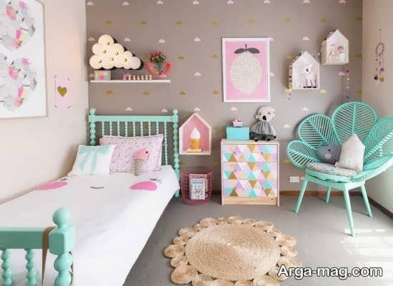 چینش اتاق نوزاد دختر با ترکیب رنگهای مختلف