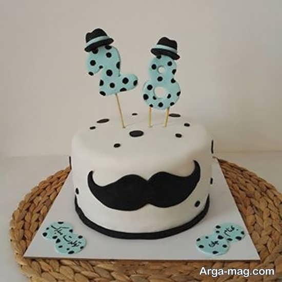 کیک تولد با طرح با نمک سبیل