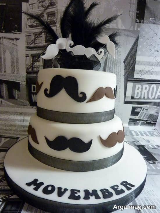 کیک دو طبقه تولد با شکل سبیل دو رنگ