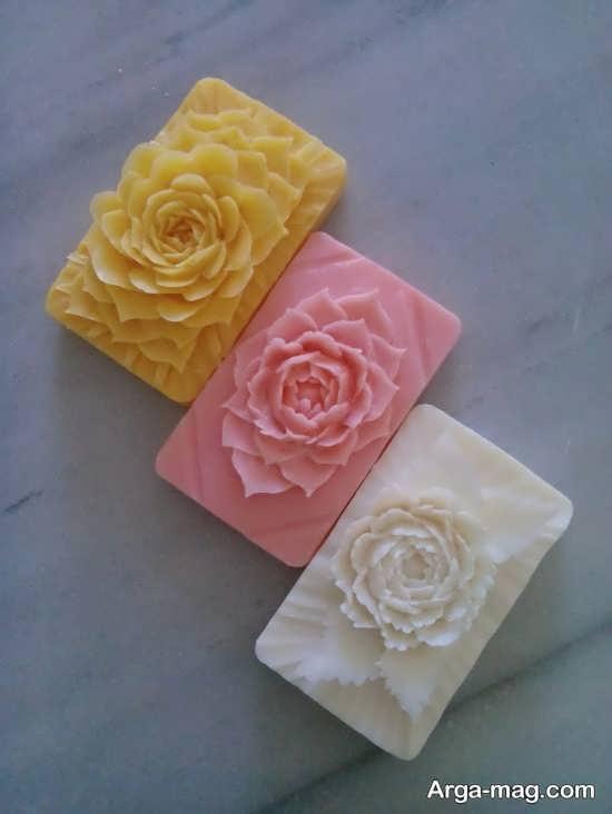 کنده کاری زیبا طرح گل روی صابون