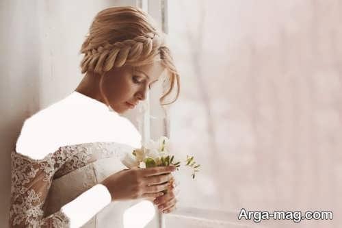 مدل شینیون بسته همراه با بافت مو برای صورت گرد