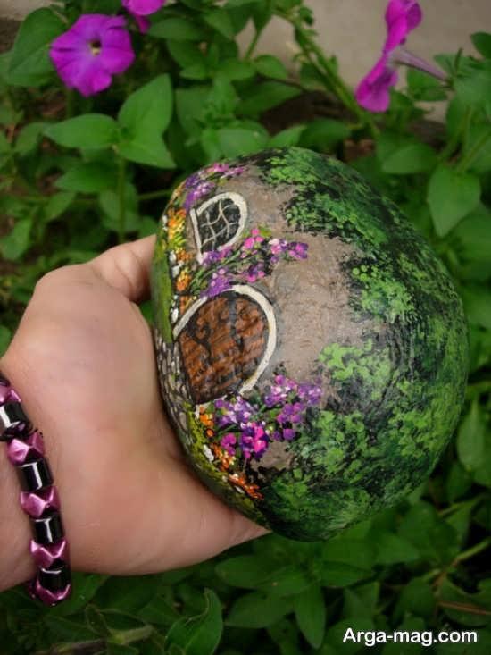 نقاشی های زیبا و خلاقانه روی سنگ