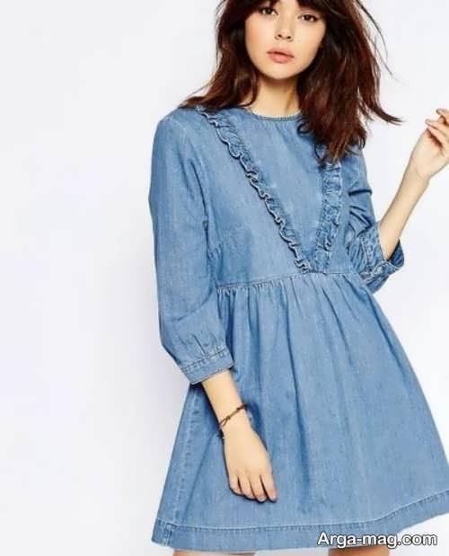 مدلی از لباس مجلسی لی