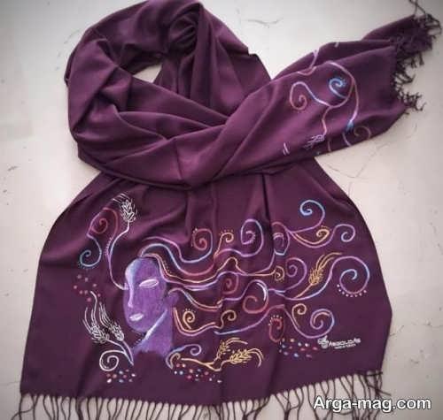 نقاشی زیبا روی روسری
