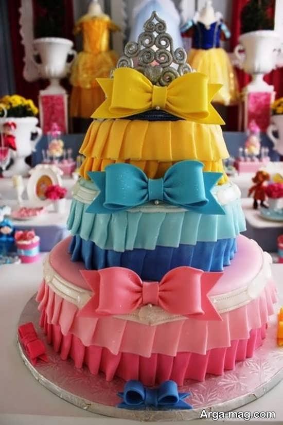تم تولد پرنسسی برای کیک