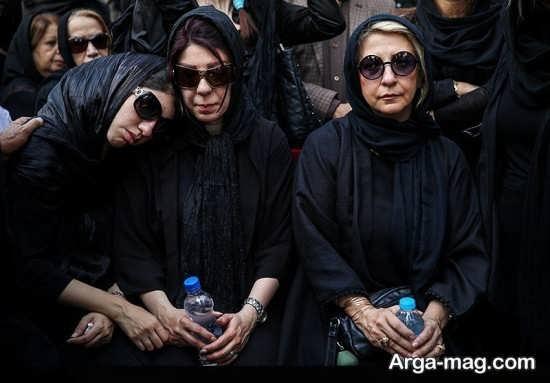 عکس مرجانه گلچین در مراسم ختم نادر گلچین