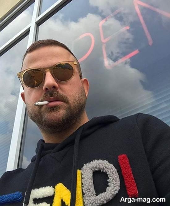 سیگار کشیدن هومن سیدی