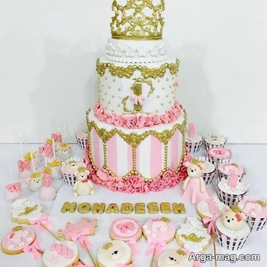 دیزاین کیک با تاج