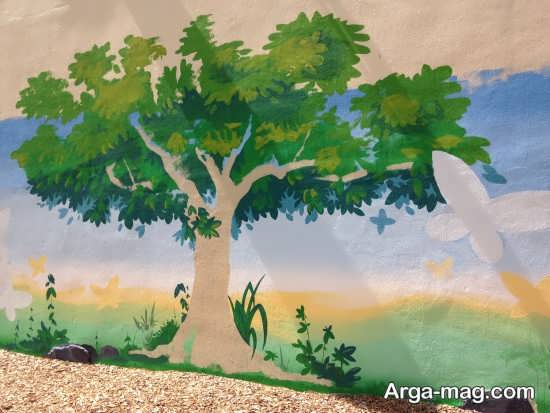 نقاشی درخت روی دیوار