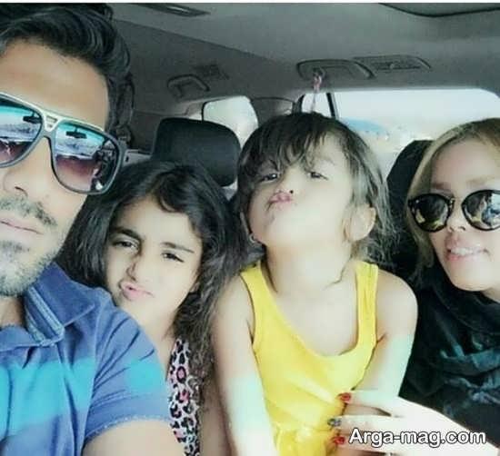 میلاد میداوودی در کنار همسر و دخترانش