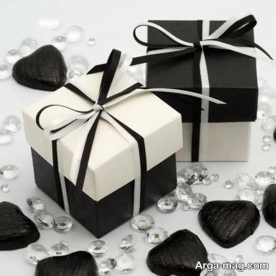 جعبه کادو های مشکی و سفید