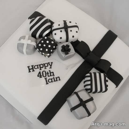 کیک تولد با دیزاین جذاب سیاه و سفید