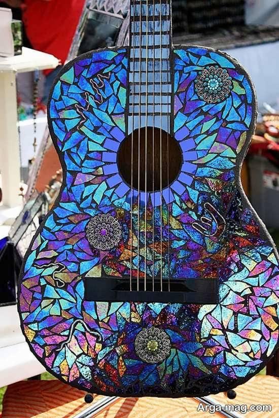 تزیین زیبا گیتار با تکه های دیسک