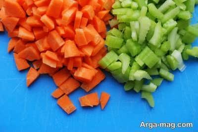 کرفس و هویج خرد شده ترشی سالاد فصل